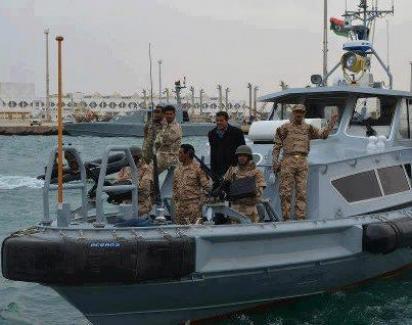 أنباء عن إصابة قطعة بحرية من قبل قوة دفاع برقة البحرية بالسدرة