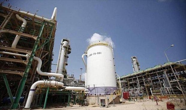 مصفاة طبرق لتكرير النفط إحدى القلاع النفطية بمدينة طبرق