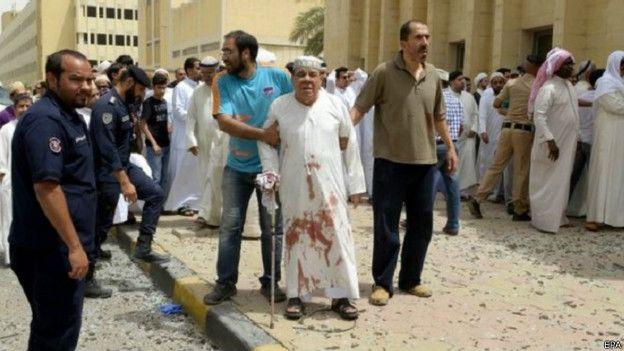 الكويت تعتقل 26 شخصا للاشتباه في ضلوعهم في هجوم انتحاري على مسجد