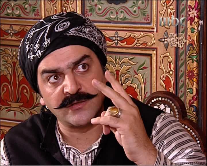 العقيد ابوشهاب يسخر من الحارة واهلها