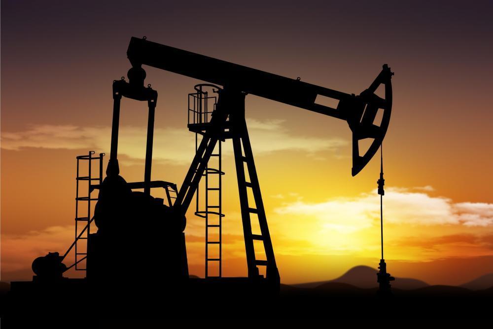 اليونان وأسهم الصين يرفعان أسعار النفط