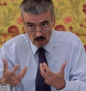 السفير البريطاني لدى ليبيا..حلول الأزمة في ليبيا في يد الليبيين
