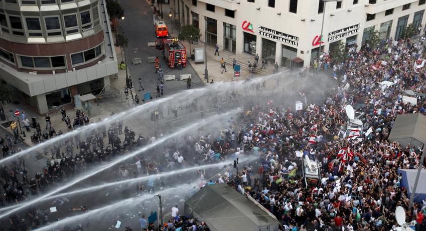 لبنان.. اعتصامات مستمرة واستنفار أمني