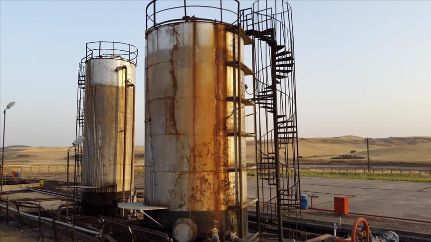 استمرار تراجع النفط يدفع
