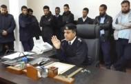 رئيس  مركز شرطة قمينس يطالب منتسبي المديرية الانضباط لإحلال الأمن