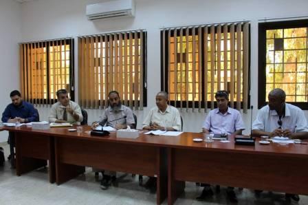 اللجنة الفنية لتنظيم نشاط استثمار الأكشاك ببنغازي تناقش وضعية الأكشاك فنياً