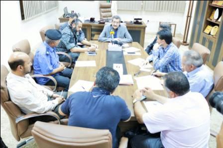 البلدي بنغازي يبحث مع الأجهزة الأمنية و الرقابية وضع آلية لحل الظواهر السلبية