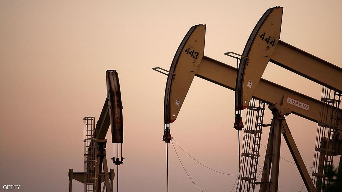 النفط يرتفع بسبب أضرار أكثر من المتوقع في أميركا