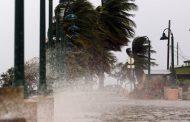 شاهد...تدمير الإعصار