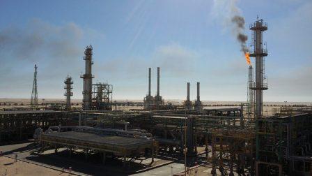 أكثر من من 400 ألف برميل من النفط الخام تنتجها الحقول النفطية في الواحات