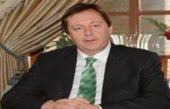 السفير البريطاني الجديد لدى ليبيا يعرب عن سعادته باستلام وظيفته