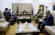 رئيس مجلس الوزراء يناقش مشاريع الحكومة في طبرق