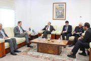 سفير بريطانيا يعبر عن رغبة الشركات النفطية العودة لاستئناف نشاطها في ليبيا