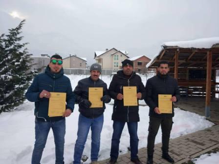 اجتياز الاختبارات للدورة التدريبية في كوسوفو لأعضاء إبطال المتفجرات في جنائي بنغازي
