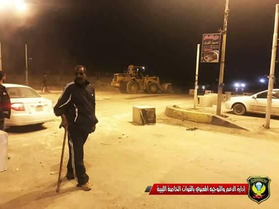 بوخمادة يصدر آوامره بإفتتاح الطرق التي أغلقها بعض المحتجين في بنغازي