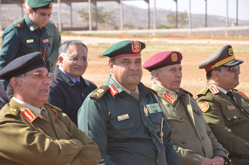 آمر الكلية العسكرية يتفقد مضمار الميدان العنيف بالكلية