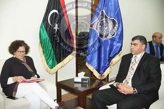 عاشور يبحث مع سفيرة فرنسا لدى ليبيا ظاهرة الهجرة غير الشرعية والمشاكل المترتبة عليها