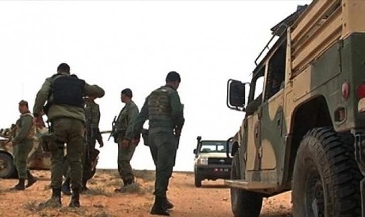 الجيش التونسي يحبط تهريب شحنة أسلحة على الحدود مع ليبيا
