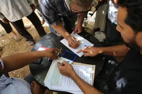 بلدية بنغازي تسلم صكوك إيجار لـ822 أسرة نازحة مقابل خروجها من مقرات الدولة