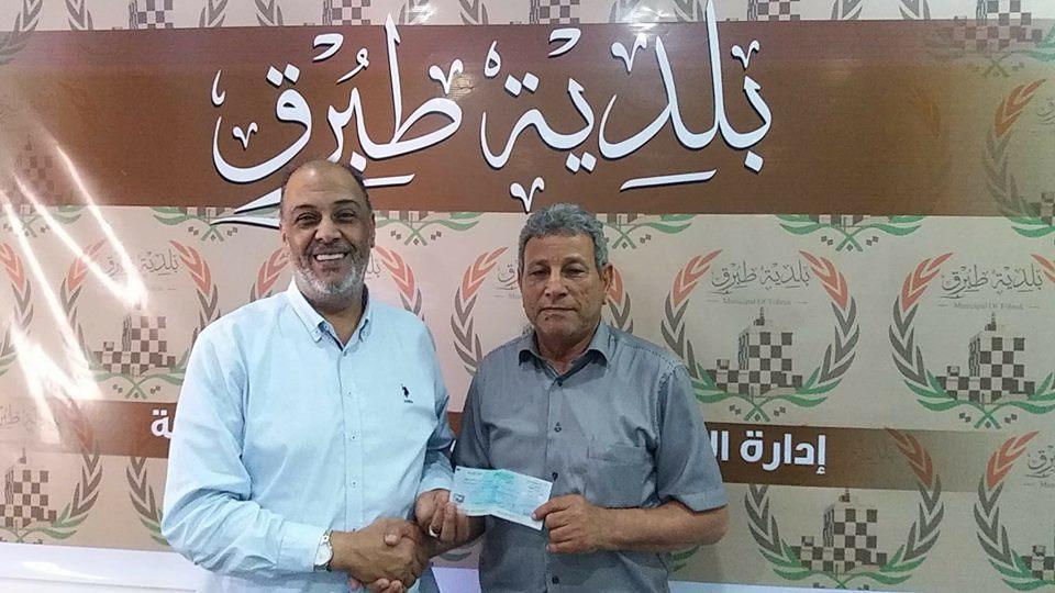 شركة الخليج تقدم صكا بقيمة 400 ألف دينار لصيانة محطة تحلية مياه في طبرق