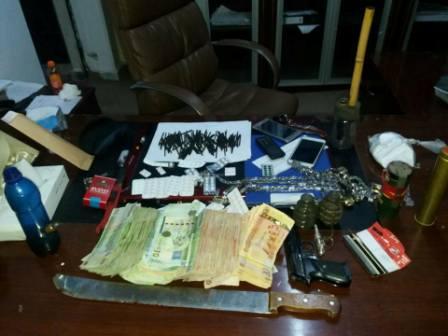 جنائي بنغازي يضبط شخصين يتاجران بالمخدرات