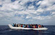 إنقاذ (76) مهاجر غير شرعي شمال منطقة الزاوية