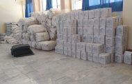 اللجنة الدولية للصليب الأحمر تسلم إغاثة لنازحي درنة بمدينة طبرق