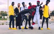 بالصور  الجاليات الإفريقية تحتفل بعيد الأضحى في وسط العاصمة طرابلس..هل فروا من أسواق العبيد؟
