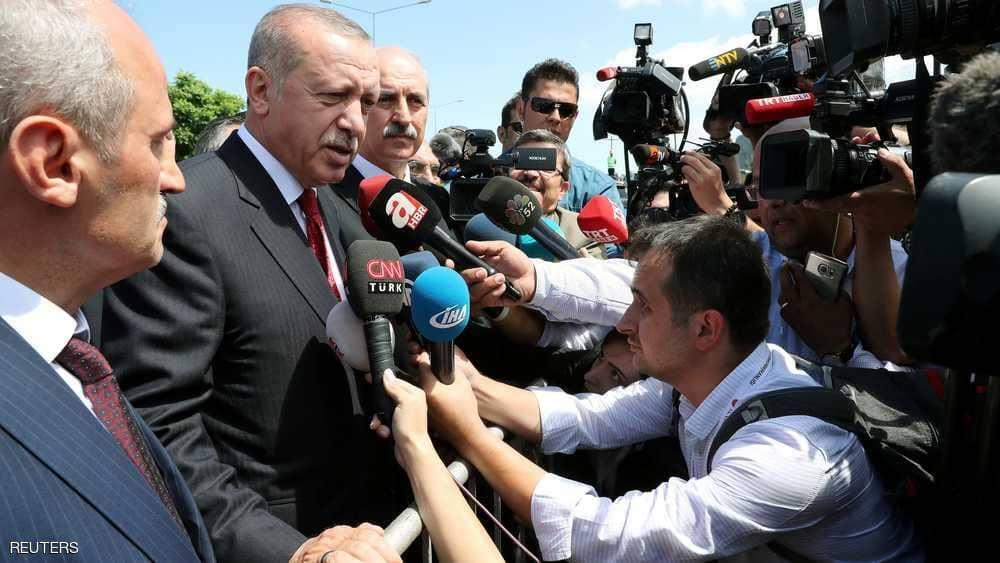 كارثة الليرة.. أردوغان يستنجد مجددا والأتراك يفعلون العكس