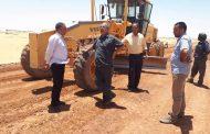 عميد بلدية الكفرة يتابع بعض المشاريع الخدمية