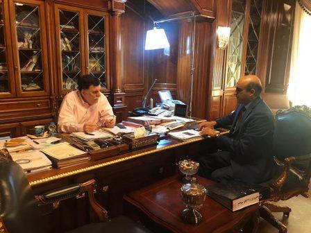 بعد مطالبات بوقف عرقلة عمل الصحافيين الأجانب والليبيين .. السراج يجتمع بمدير إدارة الإعلام الخارجي