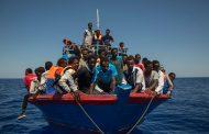 إنقاذ 60 مهاجرا قبالة السواحل الليبية