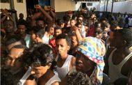 نقل 300 لاجيء من مراكز إيواء واقعة في مناطق الاشتباكات في طرابلس