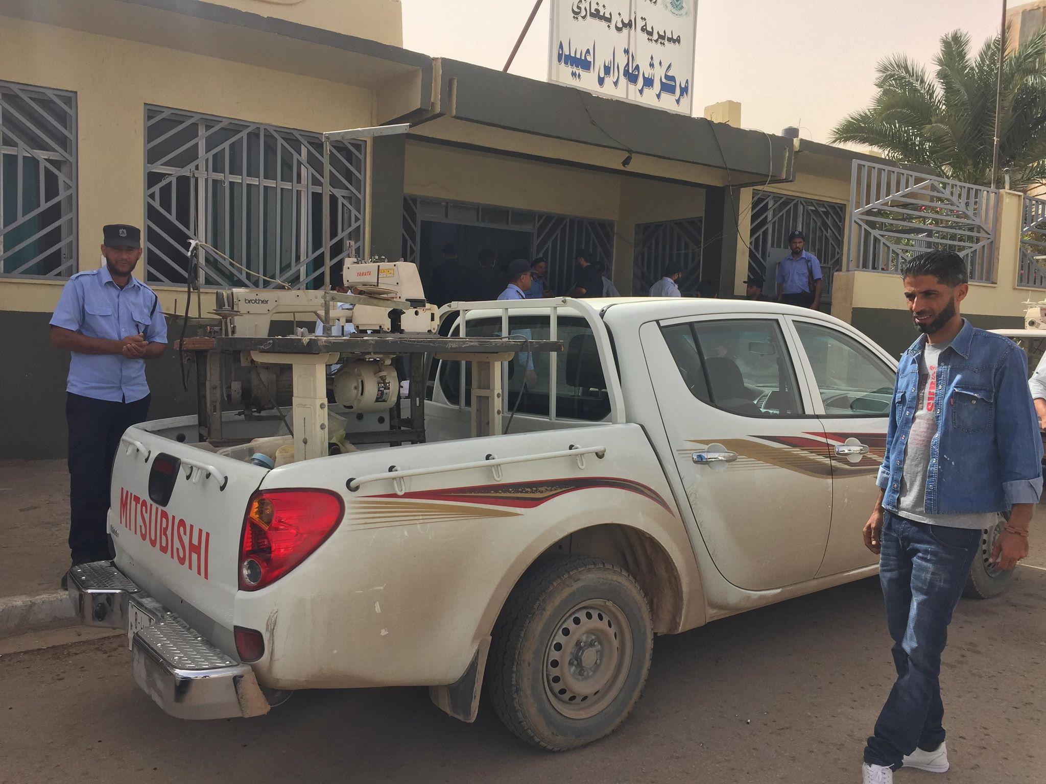 """صورة العثور على مصنع لإنتاج ملابس الشرطة بحوزة """"داعشي"""" في بنغازي"""