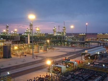 صورة قرب الانتهاء من مشروع ضواغط الغاز في حقل الوفاء