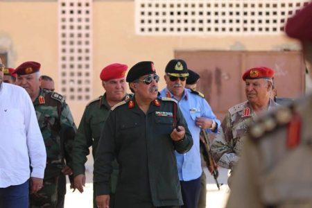 صورة الناظوري يزور القاطع الحدودي الجغبوب والكتيبة 108