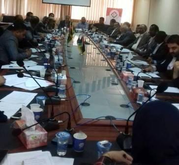 صورة مناقشة تعديل آلية الانضمام إلى عضوية الرابطة الوطنية للمجالس البلدية في الأصابعة