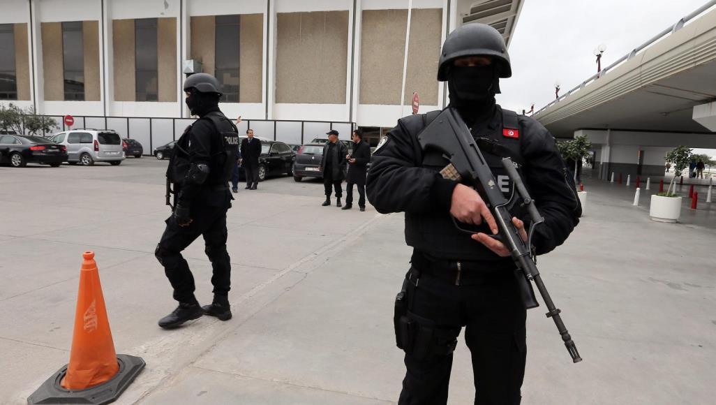 صورة خارجية الوفاق تقر إجراءات لحماية الليبيين في تونس