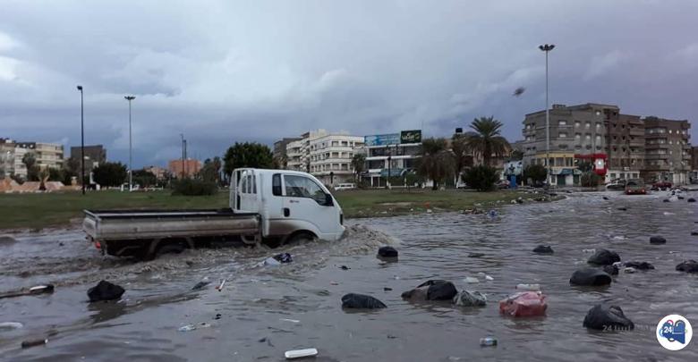صورة نتيجة لسوء الأحوال الجوية .. الحكومة المؤقتة توقف العمل بكافة الدوائر الحكومية في بلدية بنغازي