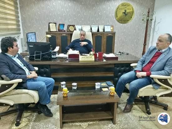 """صورة لبحث قضايا التزوير و""""إثبات النسب"""" .. بالتمر يلتقي المحامي العام في بنغازي"""