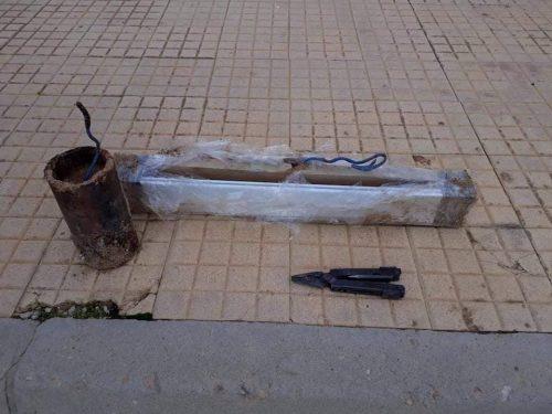 """صورة قسم إبطال المتفجرات يفكك """"دقمتين"""" جاهزة للتفجير في الصابري"""