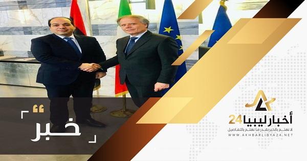 صورة معيتيق يستعرض مع وزير خارجية إيطاليا المستجدات الأخيرة في طرابلس