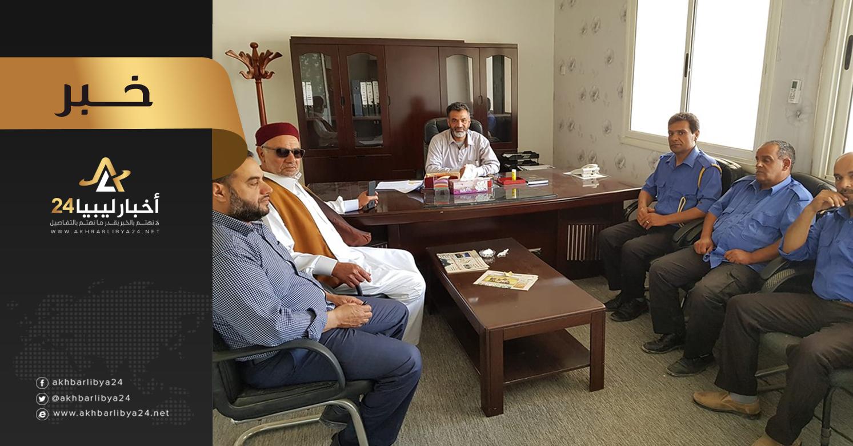 صورة بعد عيد الفطر المبارك .. الحرس البلدي طبرق يتوعد بإزالة المحلات والأكشاك المخالفة