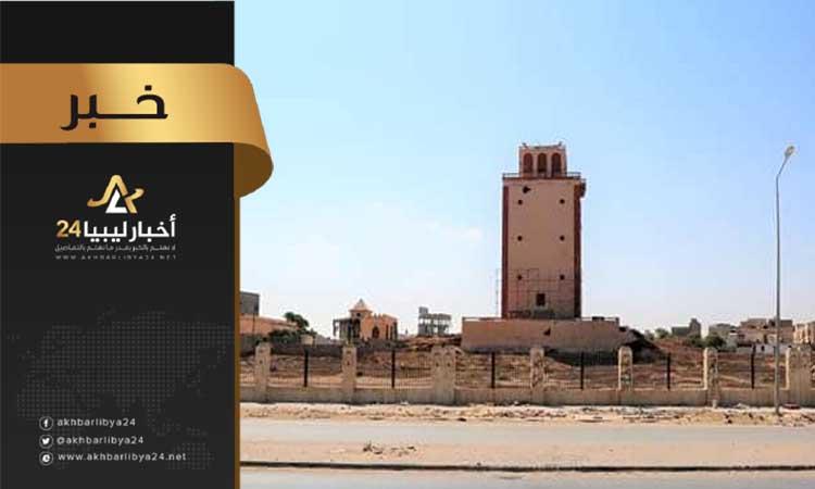 صورة عقب العبث بها من قبل الجماعات الإرهابية .. بلدية بنغازي تشرع في ترميم منارة بنغازي
