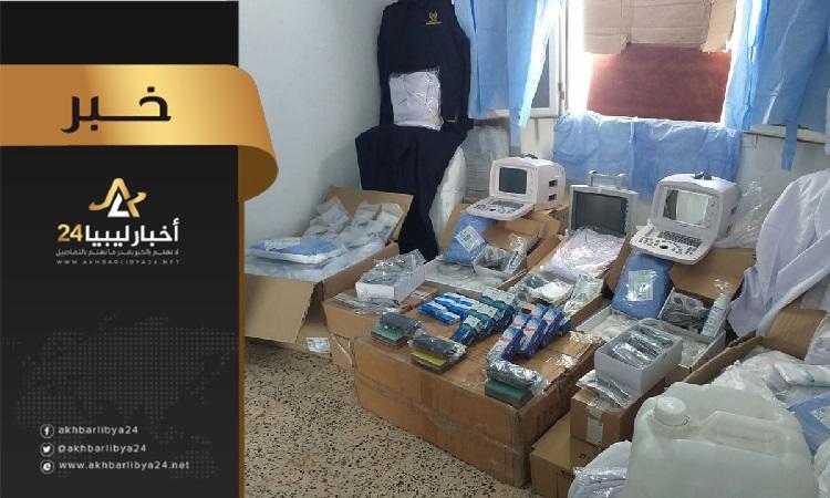 صورة ضبط سيارة حاول سائقها تهريب معدات وأجهزة طبية ببوابة وادي السهل غربي طبرق