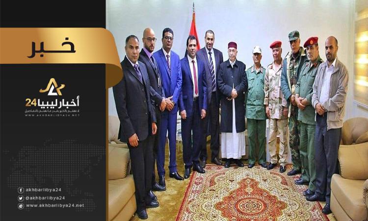 """صورة القيادة العامة للجيش تسلم معسكر """"أبشارة"""" لجامعة عمر المختار فرع القبة"""