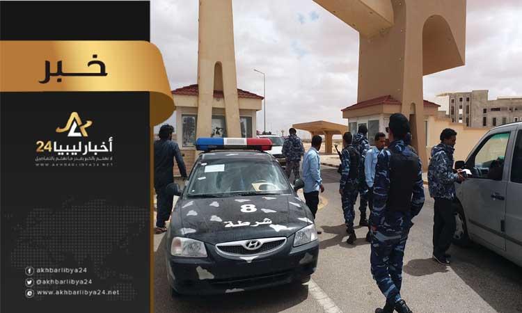 صورة إدارة منفذ إمساعد تضبط عمالا مصريين تهربوا من دفع الجباية