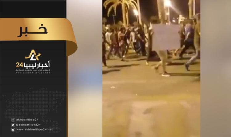 صورة مظاهرة في طرابلس تنديدًا بمقتل الشاب رشيد البكوش