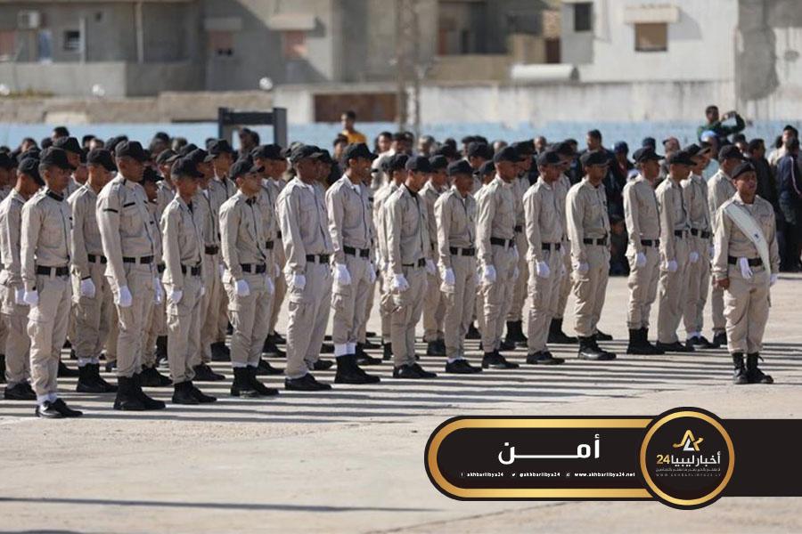 صورة داخلية الحكومة المؤقتة تشرف على تخريج 865 شرطيا بالبيضاء
