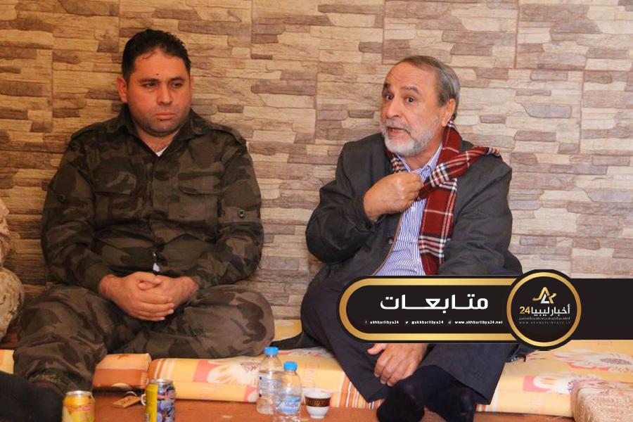 صورة خلال زيارته الثانية لمحاور القتال .. السويحلي يؤكد على توحيد الصفوف والجهود لدحر قوات حفتر